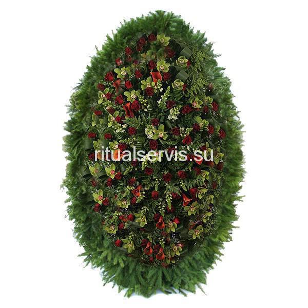 Венок из живых цветов зелено-бордовый